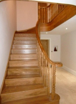 Pear Stairs - Carrodale Curved Staircase (129)