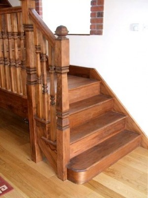 Pear Stairs - Dwyer Cut String Hemlock Staircase (74)
