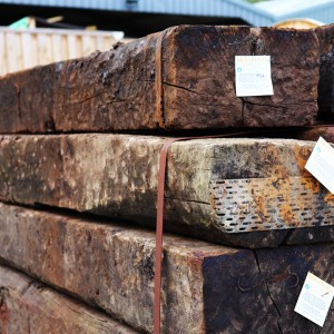 Hardwood Old Railway Sleepers 2.6m [RAILSLEEPHRW]