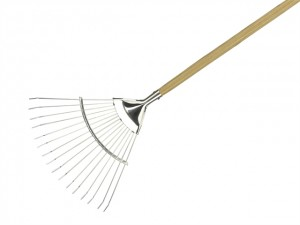 Long Handled Lawn and Leaf Rakes