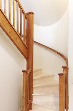 Pear Stairs - Kibbles Curved Staircase (476)
