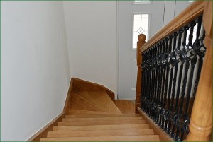 Pear Stairs - Lime Tree Staircase (473)