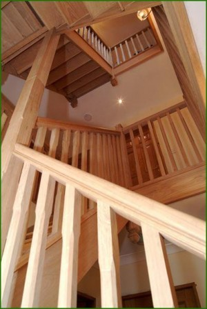 Pear Stairs - Oak Quarter Landing Staircase (18)