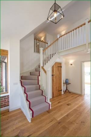 Pear Stairs - Red Roses Staircase (582)
