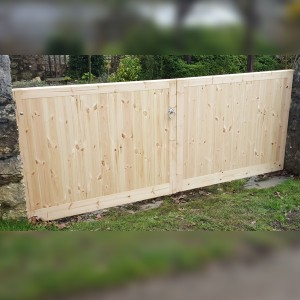 DENBIGH TIMBER - The Rowen - Flat Top Estate Gates